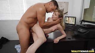 Extremist intern gives the boss her pussy of a job